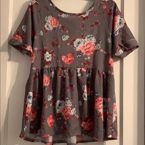 Short sleeved floral blouse